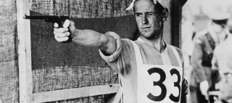 Sport ipolityka: strzelający George Patton. źródło: https://www.uipmworld.org/