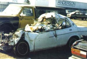 Rozbity samochód Kazimierza Deyny