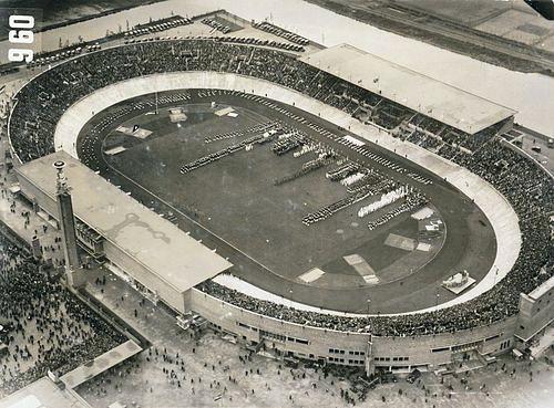 Stadion olimpijski wAmsterdamie - źródło: wikipedia.org