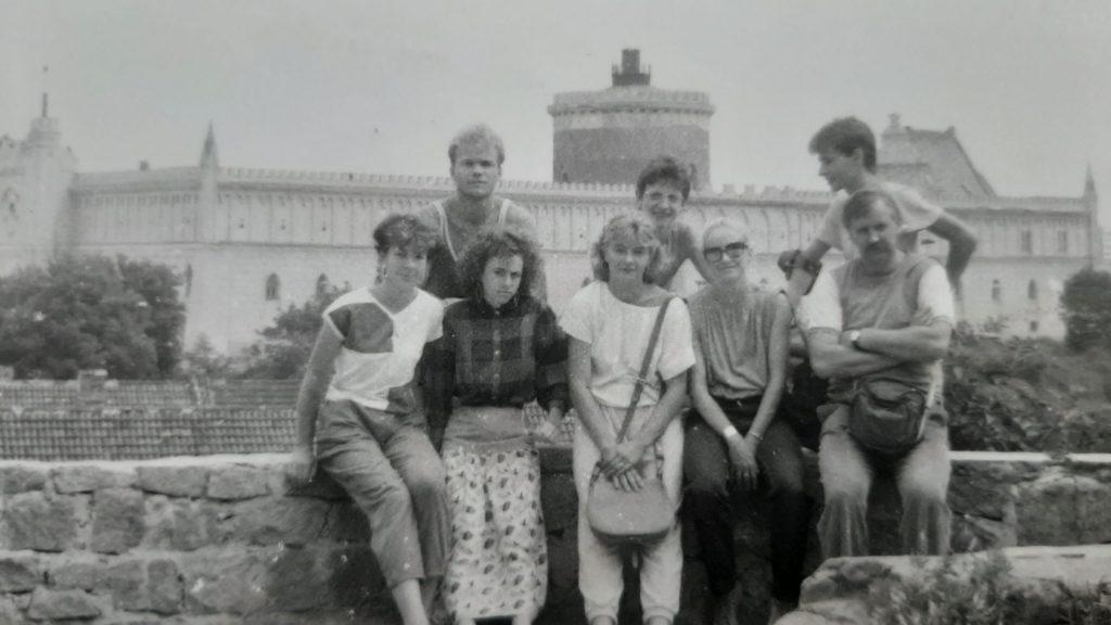 1988 rok – Lublin: Anna Kwiatkowska, Małgorzata Kuniczuk, Dorota Brzozowska, Muzyczuk, nagórze: Jarek Sienkiewicz, Piotr Kitliński, Jacek Ulidowski