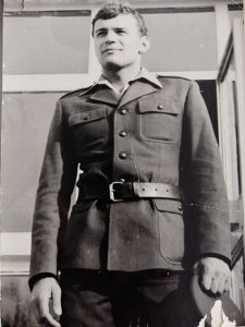 W wojsku Waldemar Białowąs reprezentował barwy Kadry Rembertów