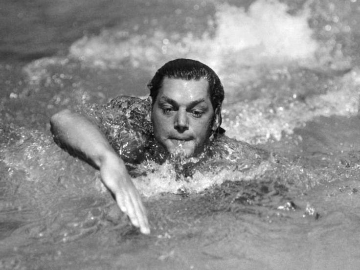 Historia pływania: Johnny Weissmuller - pływak iaktor źródło: https://theolympians.co/
